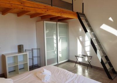 Vue d'ensemble de la chambre N°5, située à l'étage.