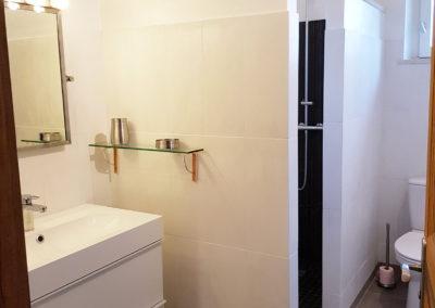 La salle d'eau de l'étage qui est à côté de la chambre N°5.